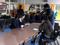 図書館でインタビュー