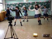 5人組のダンス