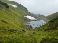 りんどう湖と雪渓