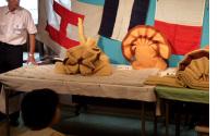 飾り毛布の実演