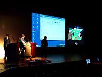 実物提示をサブスクリーンに拡大投影する