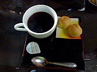 お菓子付きコーヒー