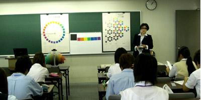 横浜デジタルアーツでの色彩講義