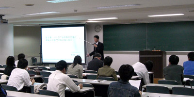 川上教務部長の講義