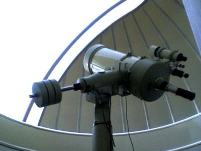 ドーム式天体望遠鏡