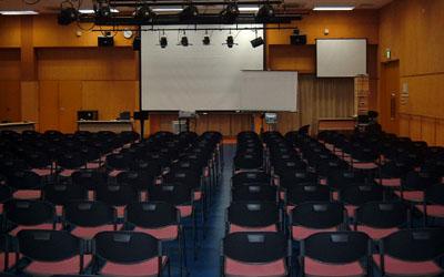 探求年次発表会の会場設営